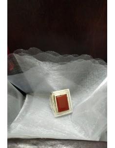 Anello in argento con pietra rettangolare in agata marrone