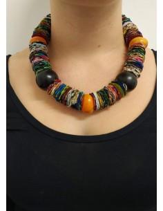 Collana multicolor in stoffa, ambra, onice nero e legno di ebano