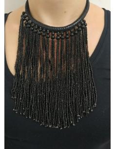 Collana multifili in pelle nera con perline nere