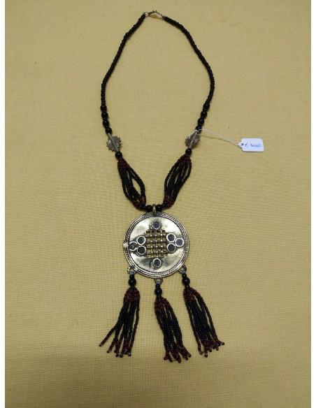 Collana con perline in onice nero , perline tipo corallo