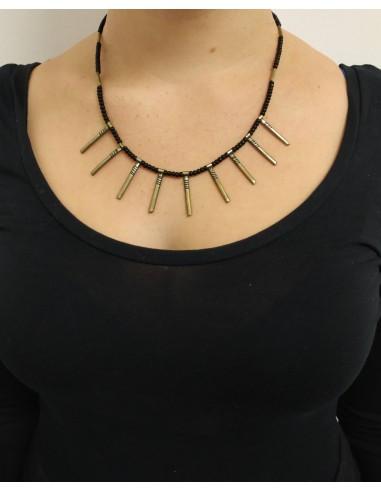 Collana con perline in onice nero e bastoncini pendenti  in argento