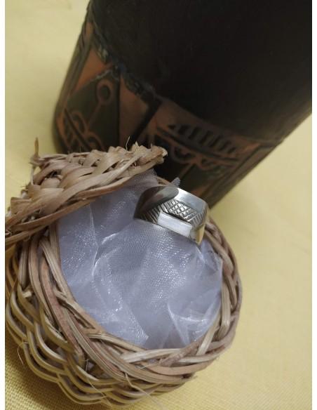 Anello in argento a fascia