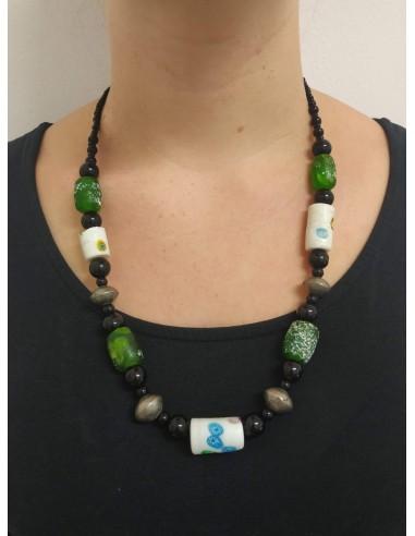 Collana con perline in vetro