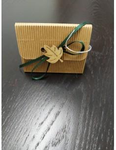 Scatoletta a borsetta con decorazione